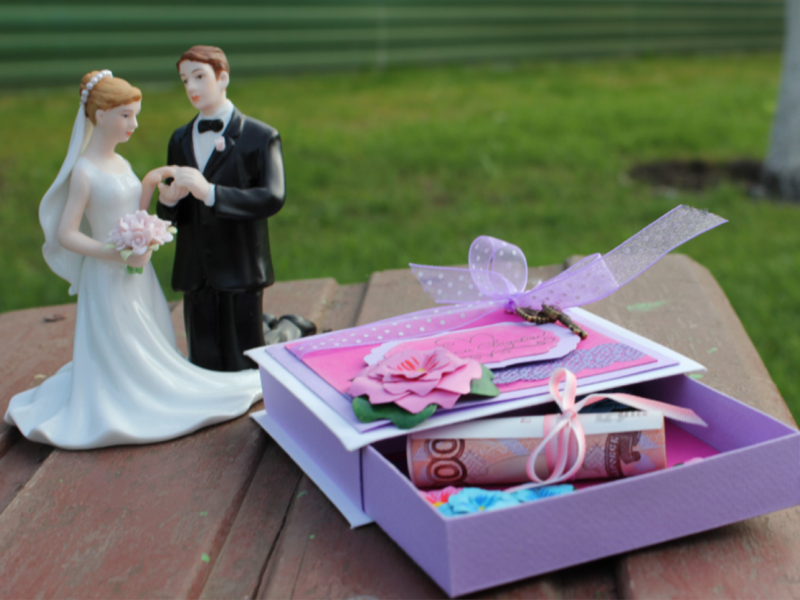 Подарок заранее на свадьбу 929
